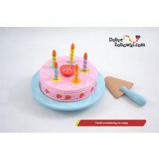 Urodzinowy tort do krojenia
